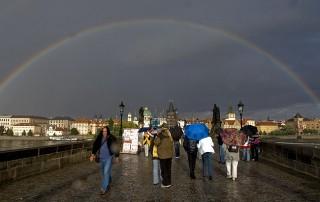 Arcobaleno su Ponte Carlo: magica Praga!